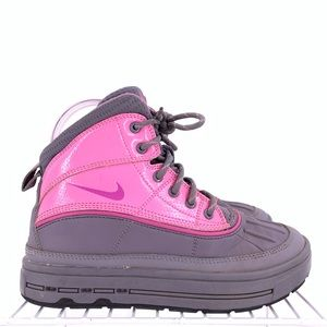 Nike ACG Girls Boots Size 3.5y